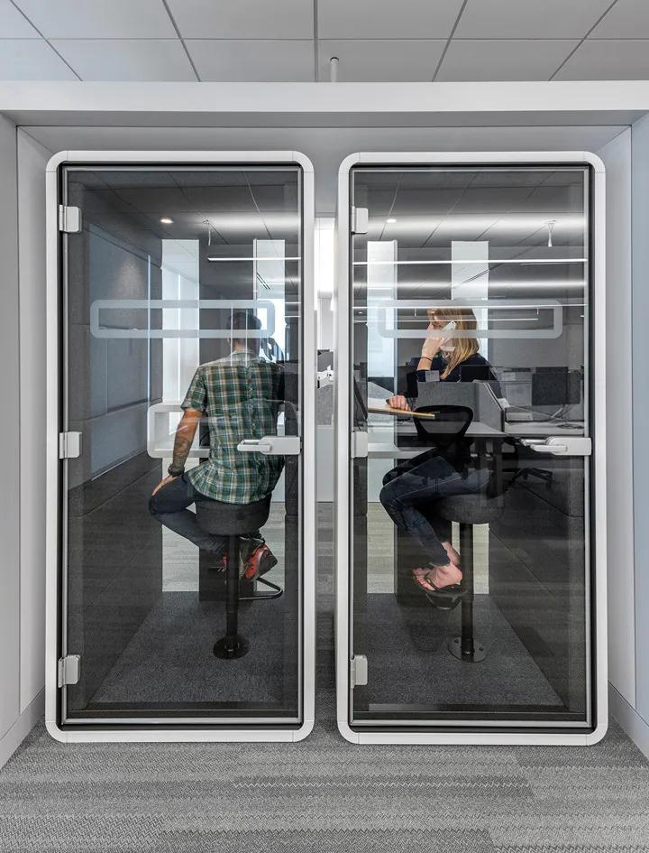 办公室装修设计空间中打造一个安静又隐蔽的私人空间